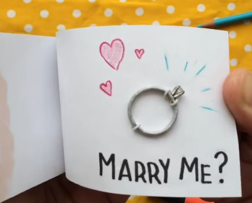 Man uses flip book animation to propose to his girlfriend