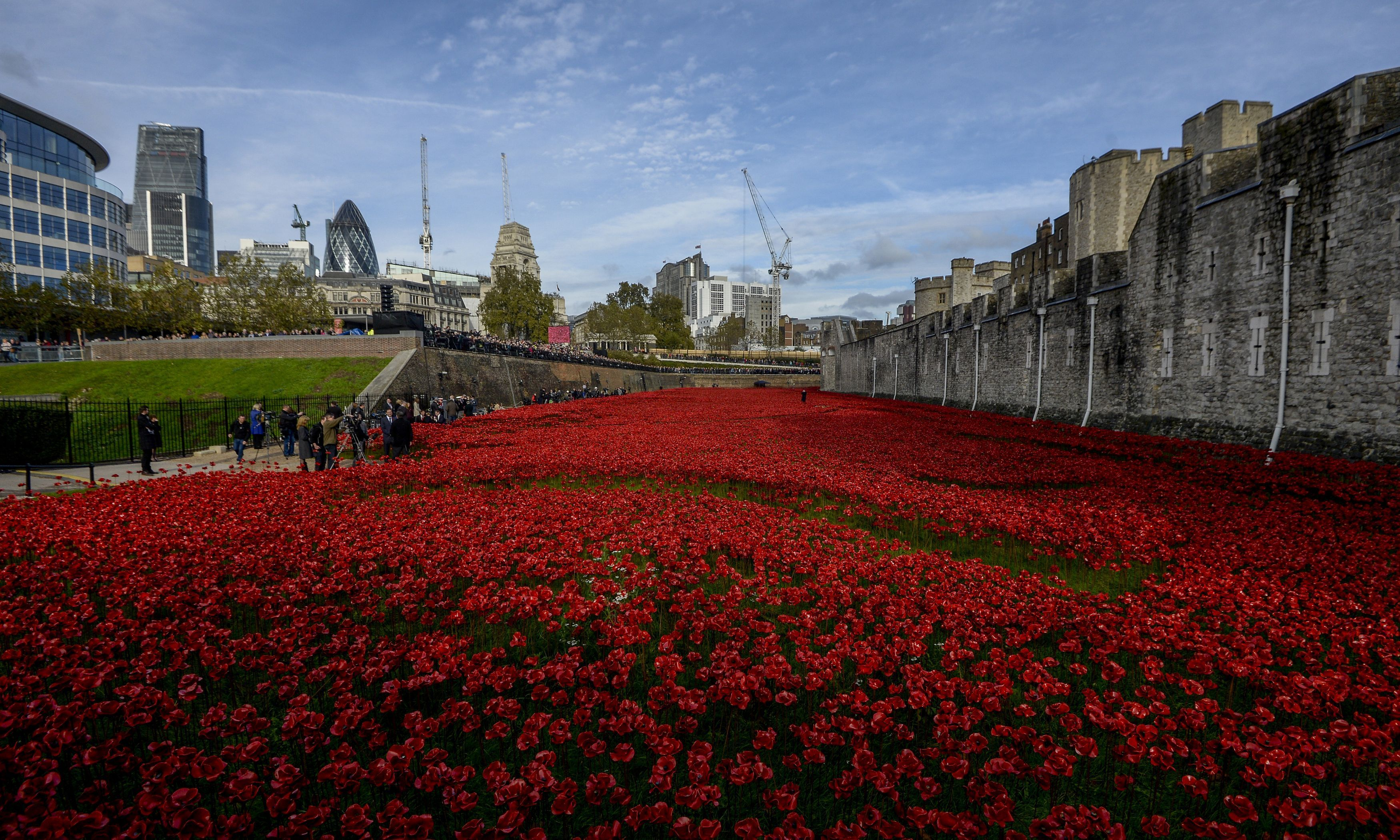 Tower of London poppies artist receives death threats