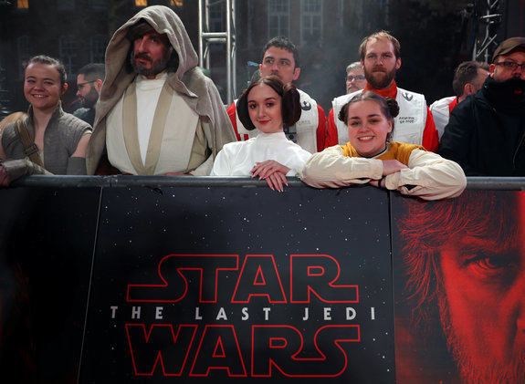 9 Star Wars: The Last Jedi Reviews Round Up From 'Disappointment' To 'Stupendous'