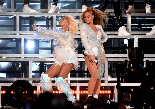 Beyoncé And Solange Give A Masterclass In How To Downplay An On-Stage Fall