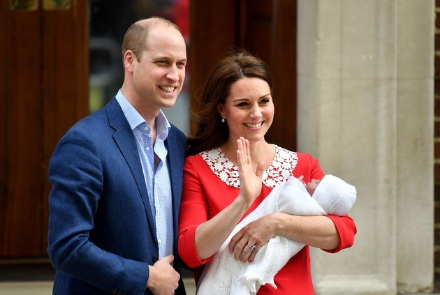 First Royal Baby Pictures Captured As Duke And Duchess Of Cambridge Leave Hospital With Their Third Child