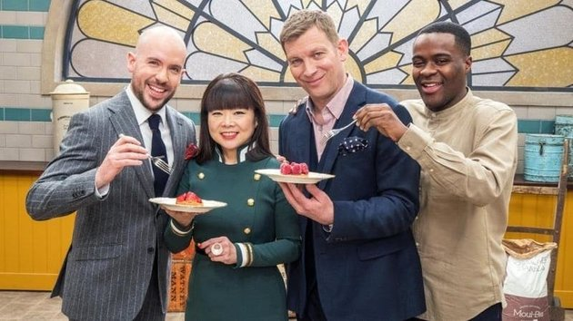 'Bake Off' Fans Go Wild As Contestant Liam Charles Returns As Host Of 'Professionals' Show