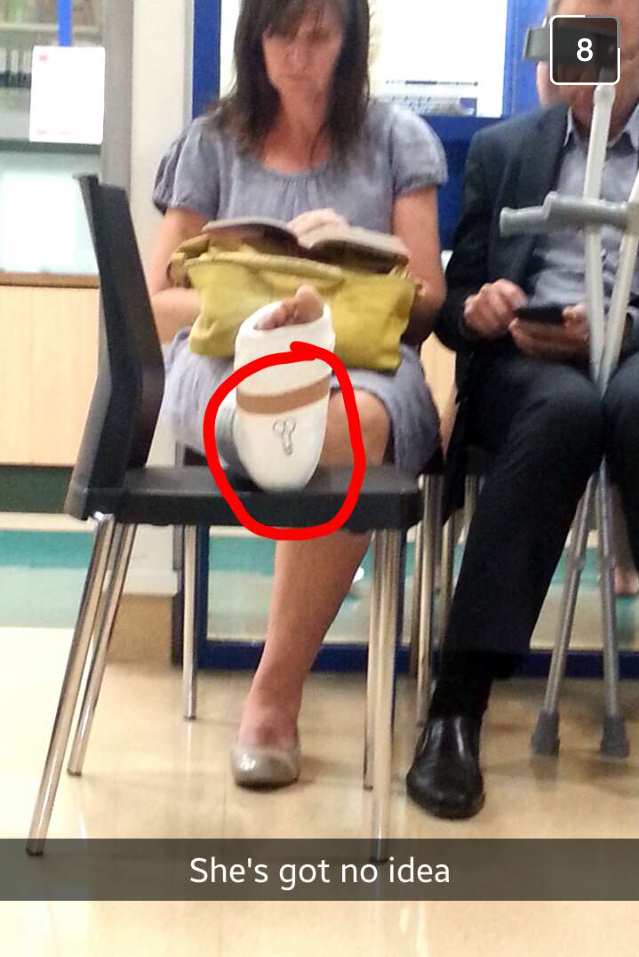 Someone drew a penis on the bottom of this woman's plaster cast