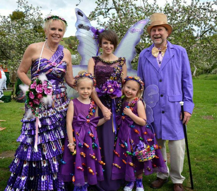 Bride turns up to Willy Wonka themed wedding dressed in gown made of chocolate wrappers