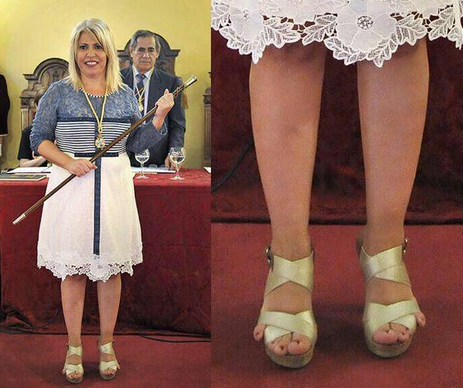 People are going crazy for this mayor's little toes