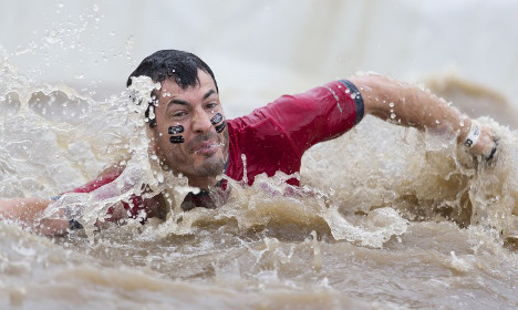 Thousands take part in mud race, immediately fall ill afterwards