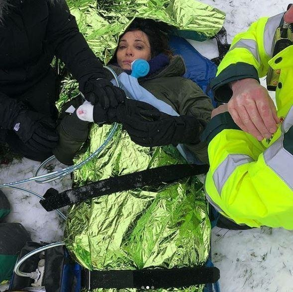 'Broadchurch' Actress Sarah Parish Breaks Leg After Attempting To Snowboard On Cheap Plastic Sledge