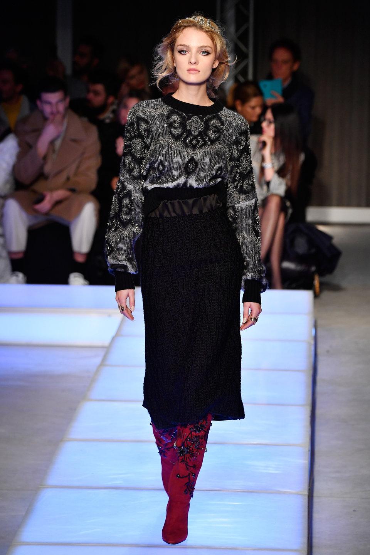 Looks We Love: Floral Embellished Jumpers At Fashion Weeks