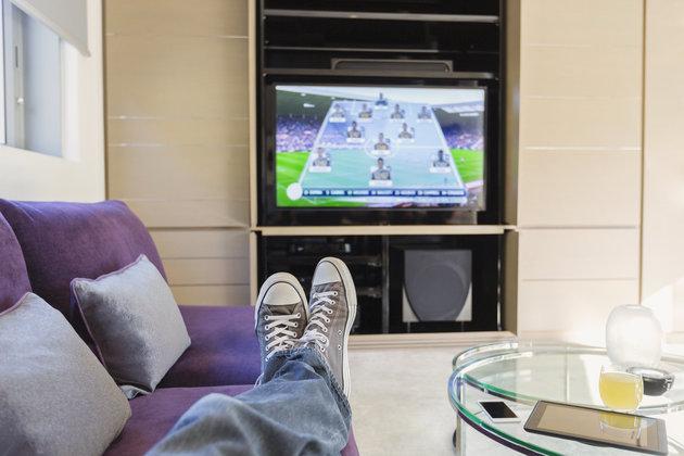 Binge-Watching TV Could Raise Bowel Cancer Risk In Men