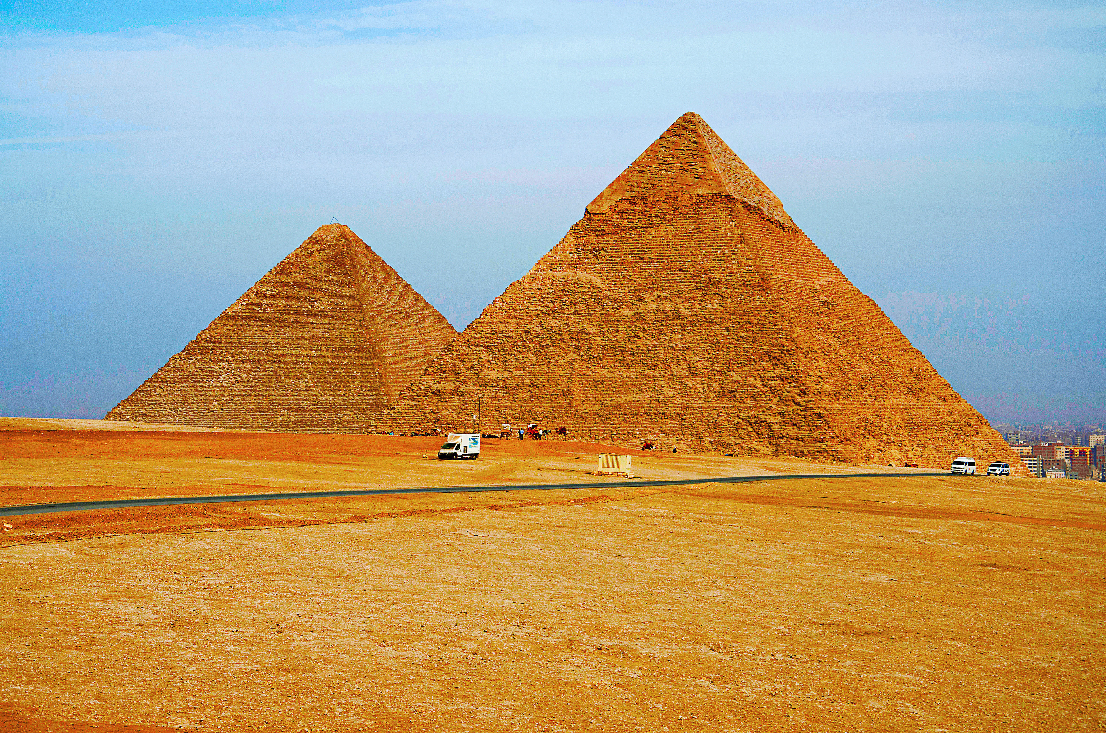 Egypt Authorities Investigate X-Rated Photos On Top Of Great Pyramid