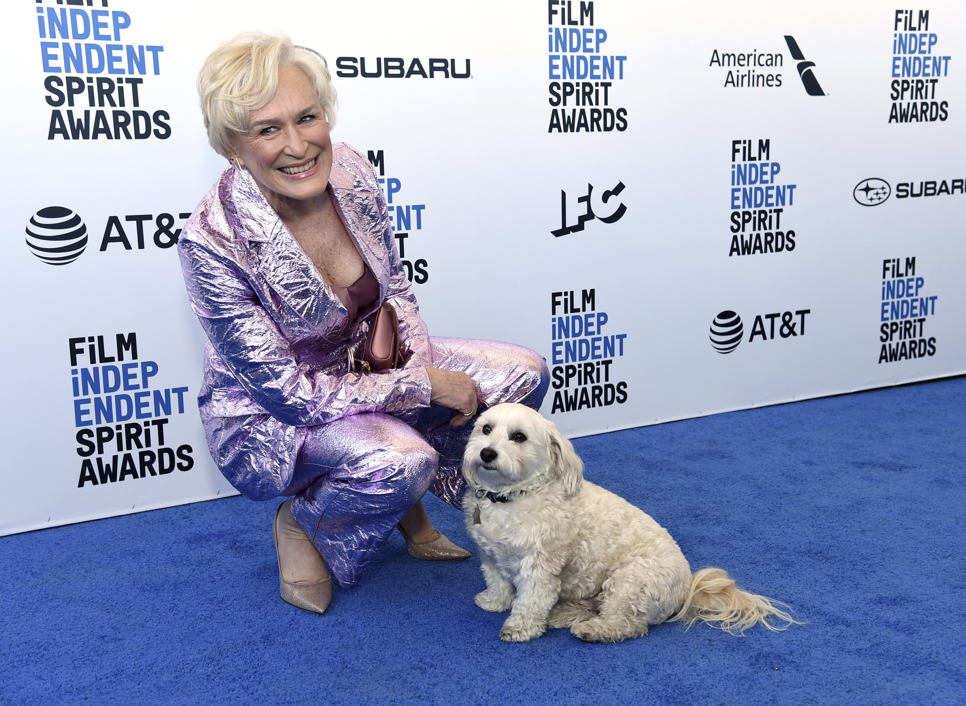 Glenn Close's Dog Steals The Show At The Independent Spirit Awards
