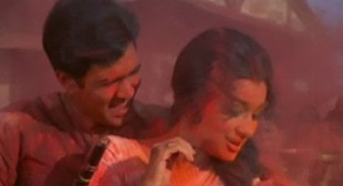 Aaj Na Chhodenge Bas Kumjoli Khelenge Hum Holi Lyrics – Kati Patang