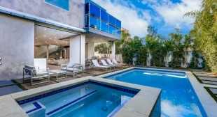 Luxury villa vacation rentals in Los Angeles